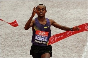 Kebede triomphe à Chicago