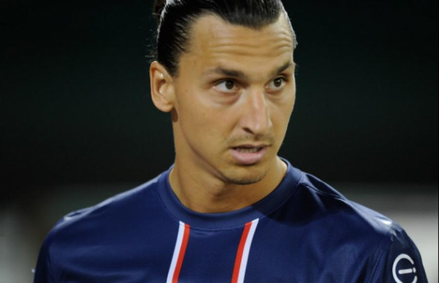 Zlatan Ibrahimovic Ordered Over By Referee, Swede Gets Referee To Come