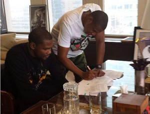 Kevin Durant rejoint la roc nation