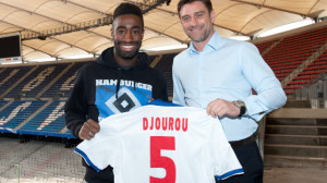 v.l. Johan Djourou, Sportdirektor Oliver KreuzerFussball Hamburger SV