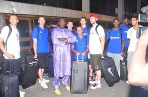 les Bleuets à leur arrivée à Dakar