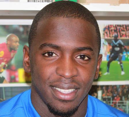 http://www.africatopsports.com/wp-content/uploads/2013/09/2022680_14132746-sissokofoot-20130302-f111k.jpg