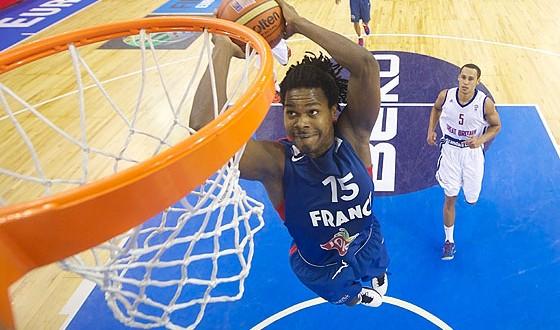 Basket france micka l gelabale incertain pour la coupe du monde africa top sports - Live coupe de france basket ...