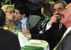 baiser-de-maradona
