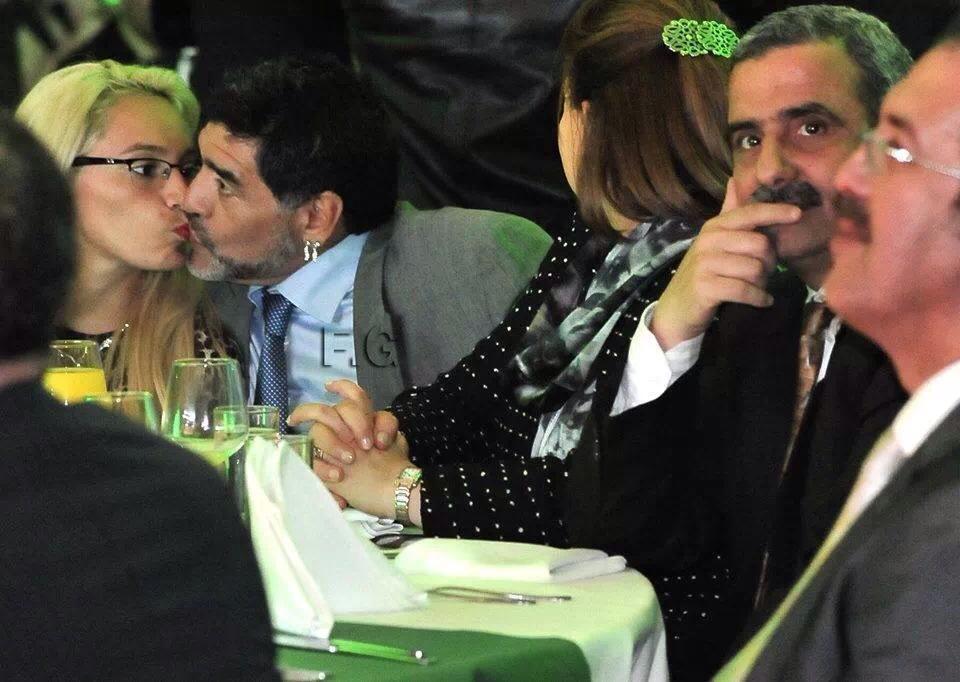 baiser-de-maradona.jpg