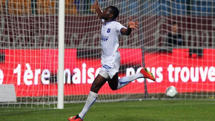 Yannis Mbombo