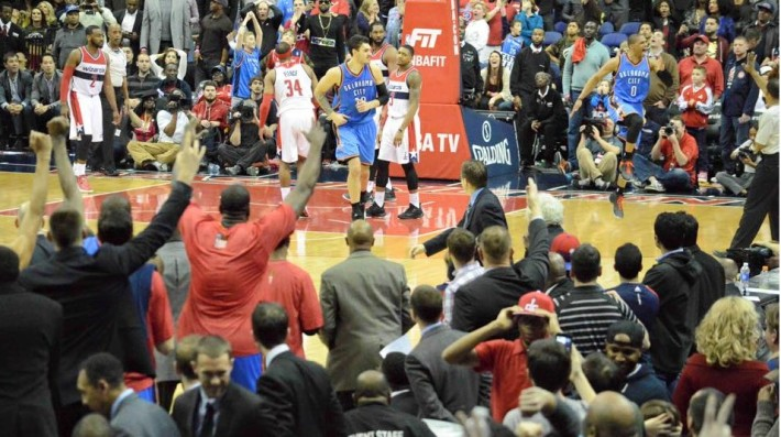 russell westbrook assomme les wizards