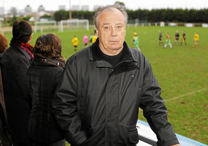 FOOTBALL . ENTRAINEUR . Bertrand MARCHAND (photo C. ROSE)