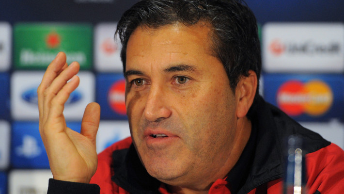 SC Braga's Portuguese manager Jose Peseiro speaks during a press conference at Old Trafford in Manchester, north-west England on October 22, 2012, on the eve of their UEFA Champions League group H football match against Manchester United. AFP PHOTO / ANDREW YATES        (Photo credit should read ANDREW YATES/AFP/Getty Images)
