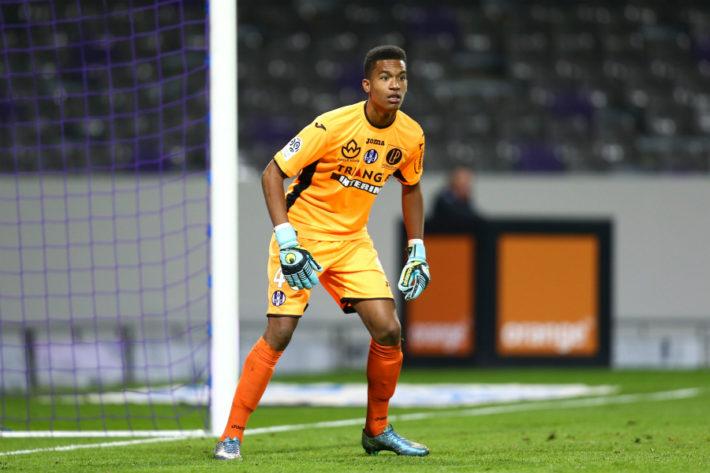 Alban Lafont - 28.11.2015 - Toulouse / Nice - 15eme journee de Ligue 1 Photo : Manuel Blondeau / Icon Sport