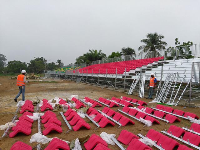 Les gradins du stade de Bafia