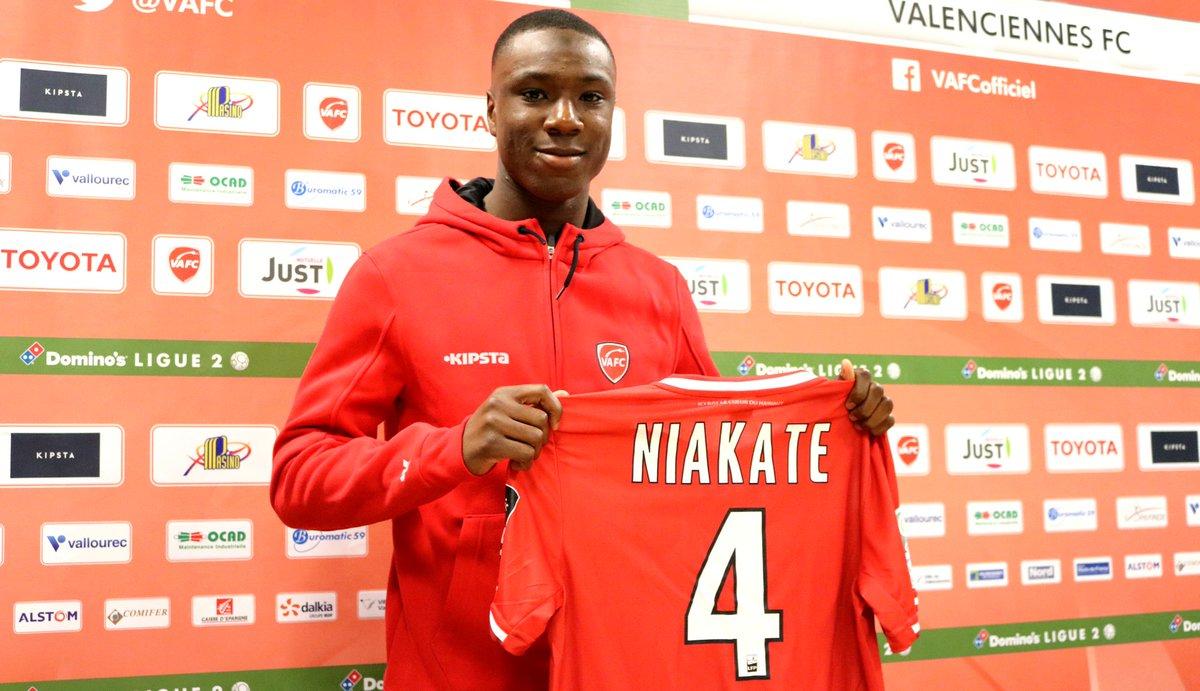 Mercato : Sikou Niakaté pour assurer la relève en défense?