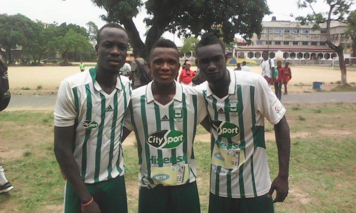 Les Togolais d'Union de Douala (De gauche à droite Seko, Hedjakpo, Olufade)