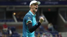 Sep 5, 2017; New York, NY, USA; Kevin Anderson of South Africa reacts after winning the first set against Sam Querrey of the United States (not pictured) on day nine of the U.S. Open tennis tournament at USTA Billie Jean King National Tennis Center. Mandatory Credit: Geoff Burke-USA TODAY Sports