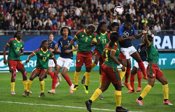 Équipe de France féminine de football - Page 4 Cameroun