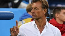 Morocco's French coach Herve Renard gestures before the Russia 2018 World Cup Group B football match between Spain and Morocco at the Kaliningrad Stadium in Kaliningrad on June 25, 2018. (Photo by Attila KISBENEDEK / AFP) / RESTRICTED TO EDITORIAL USE - NO MOBILE PUSH ALERTS/DOWNLOADS        (Photo credit should read ATTILA KISBENEDEK/AFP/Getty Images)